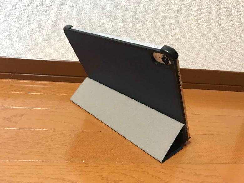 M&Y iPadケース - スタンド一段階目 背面